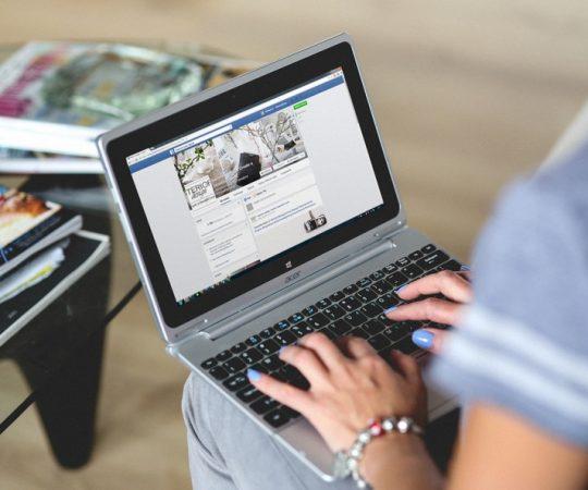 3 motive pentru care trebuie să investești în Facebook