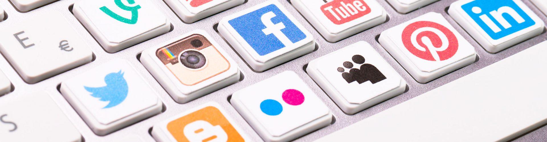 social-media-cand-brandul-devine-prieten